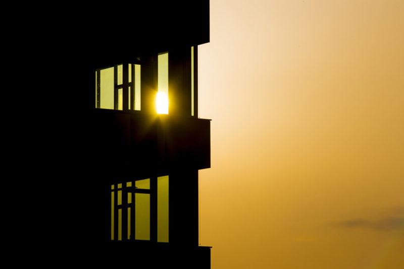 Západ slunce v moderní architektuře Fotolittera