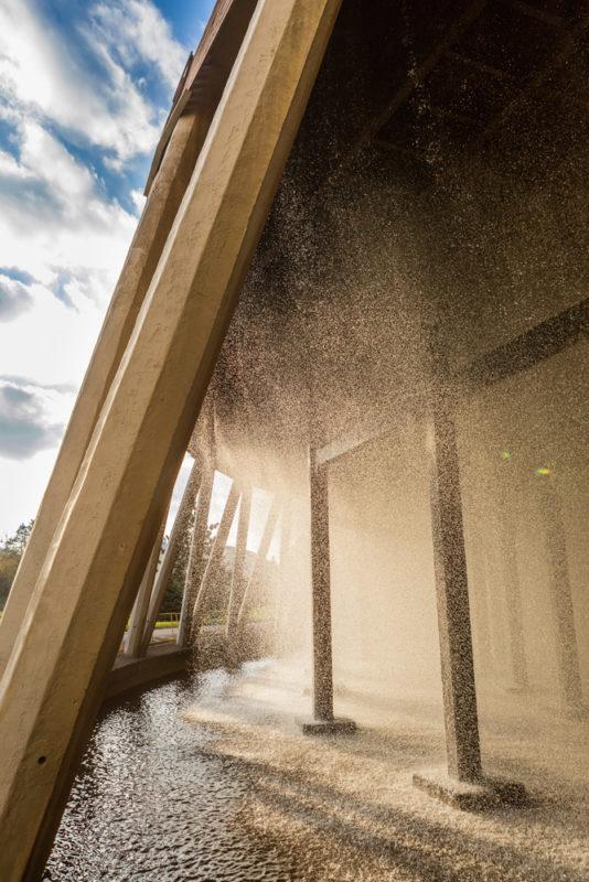 Zlaté kapky vody fotografie Ondřej Littera, architektura ve fotografii