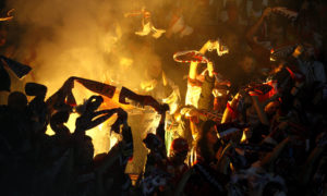 Fotbaloví fanoušci náladová fotografie sportovního utkání